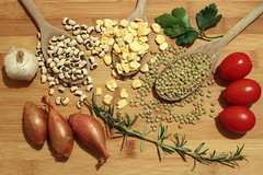 Food composition: onions, beans, garlic, rosemary,…