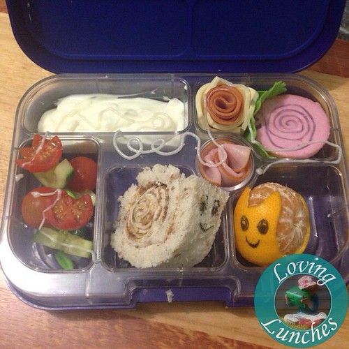 Loving a #snail lunch for tomorrow in our #yumbox… @minihippoau #funfood #funwithfood #schoollunch   🐌