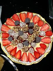 pavlova, strawberry, baked goods, frutti di bosco, fruit, food, dish, dessert, cuisine,
