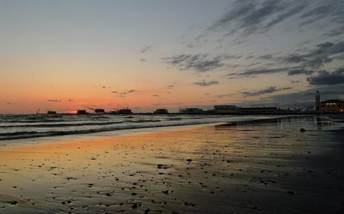 sea italy clouds sunrise dawn nikon italia waves shoreline hdr cesenatico exposureblending d5100 luminositymasks