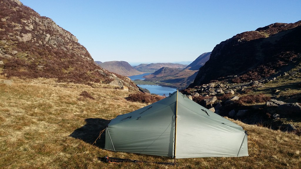 Camp overlooking Buttermere #sh