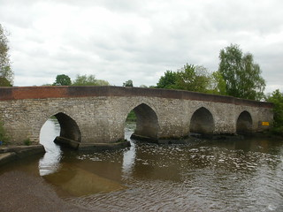 Stone bridge Yalding