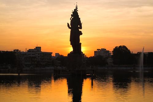 india deity gujarat vadodara deidad badora
