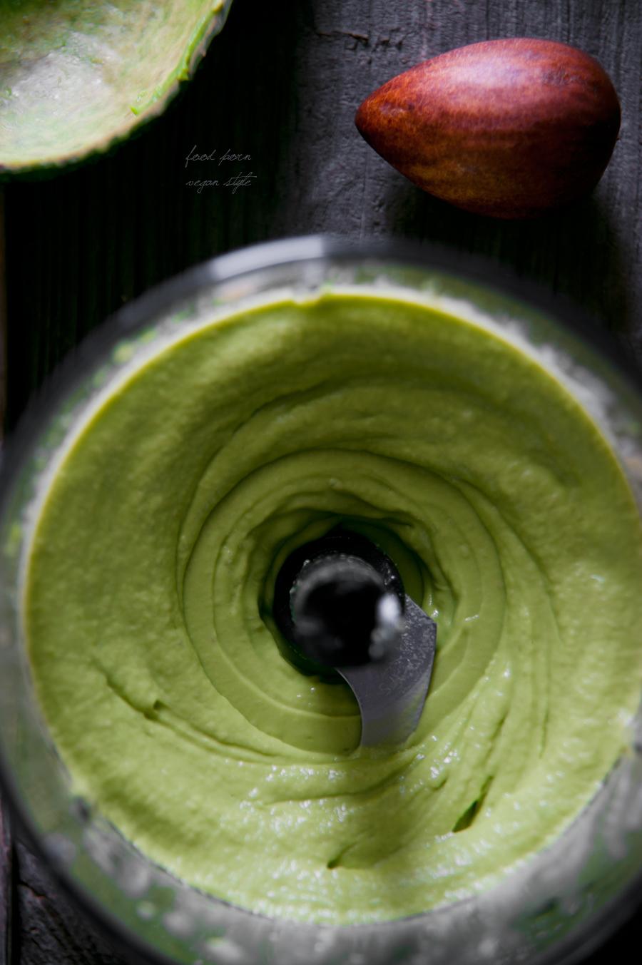 Vegan avocado mayo