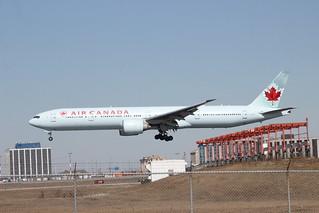 Air Canada C-FIUL