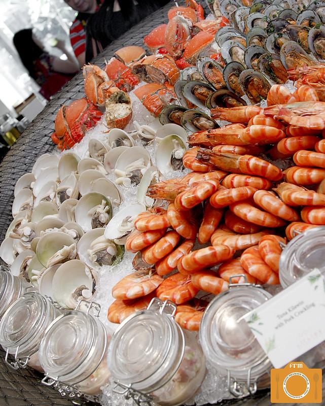 Circles seafood