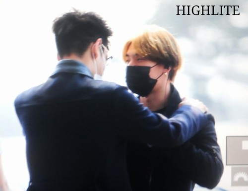 Big Bang - Incheon Airport - 29may2015 - Dae Sung - High Lite - 03