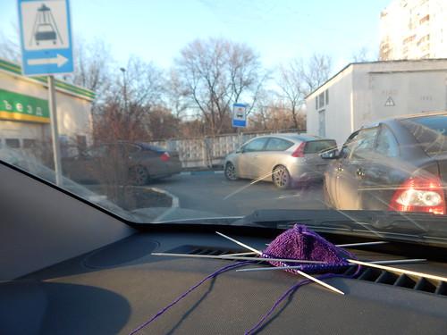 носок в машине в очереди на мойку