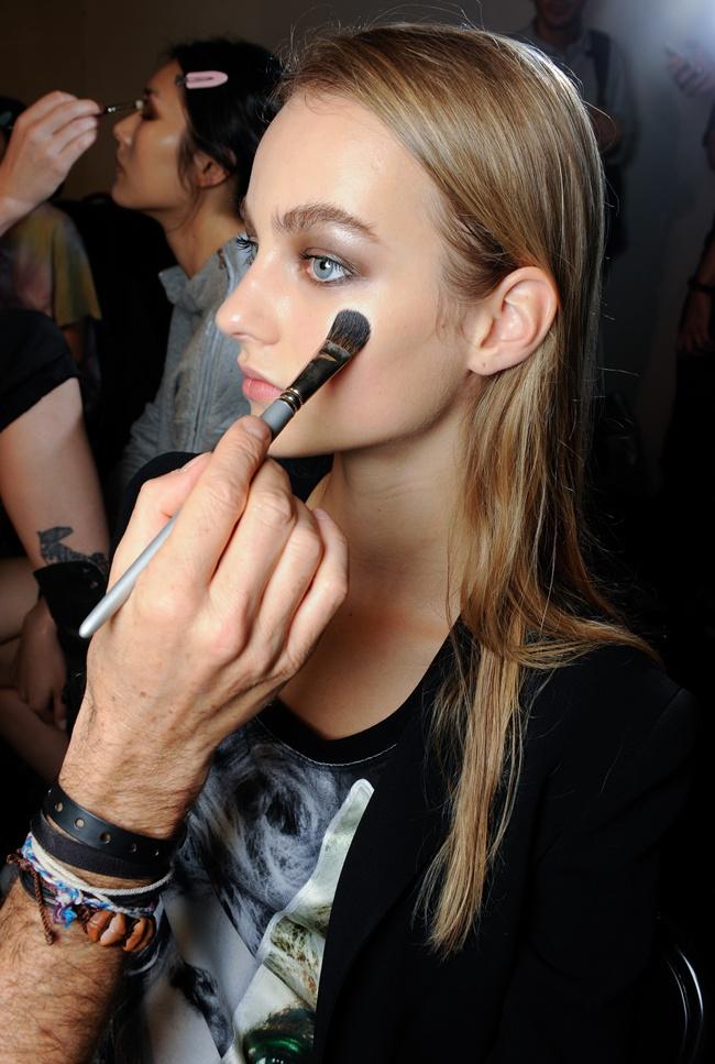 beauty2 Roberto Cavalli SS 2015 Fashion Show backstage (61)