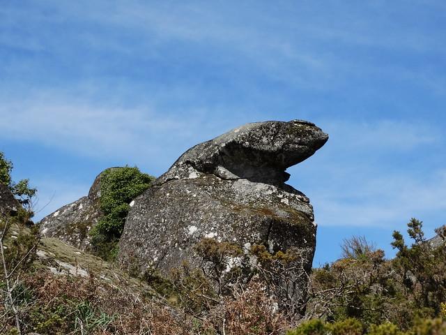 Formación rocosa en la ruta Tras os Pasos do río Barbeira - Ruta da Liberdade