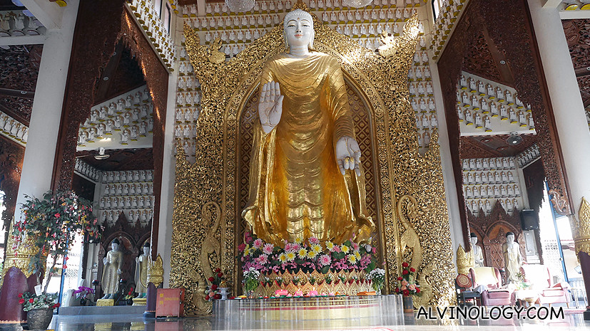 The large Budha statue in the Burmese temple