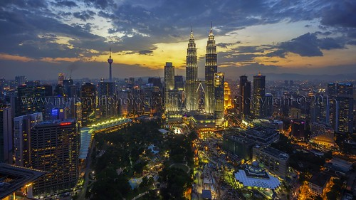park sunset shopping skyscrapers petronas towers twin commercial twintowers kualalumpur klcc felda petronastwintowers suriaklcc petronastower3