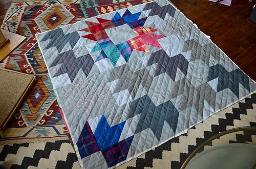 Machine Quilting the Modern Bear Paw Quilt