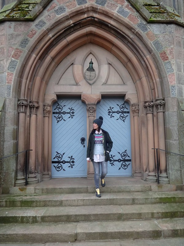 Natbeesfashion UK lifestyle blogger in Scotland