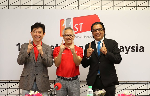 From left to right Jinwoo So Chief Executive Officer of SK Planet _Hoseok Kim Chief Executive Officer of 11street Malaysia _Dato Sri Shazalli Ramly Chief Executive Officer of Celcom Axiata Berhad  _1