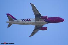 HA-LPK - 3143 - Wizzair - Airbus A320-232 - Luton M1 J10, Bedfordshire - 2015 - Steven Gray - IMG_4687