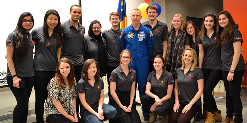 NASA Astronaut Dr. Drew Feustel (PhD'95) returned to campus on March 28 to accept the Queen's University Alumni Achievement Award and hold a speaker event with the QSAA. See more photos.