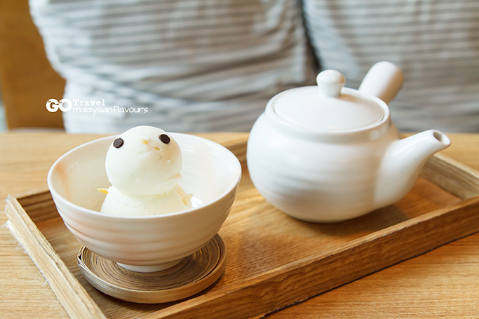 bangkok-3d2n-cafe-little-spoon-bts-asok-bangkok-smiley-latte-in-a-bowl