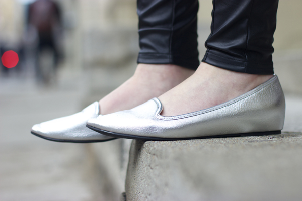 Pointed toe metallic flats