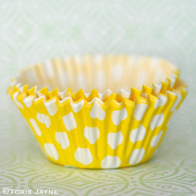 Yellow & white spot cupcake cases from Tala 1