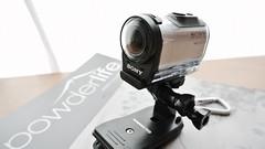 cameras & optics(1.0), camera(1.0), optical instrument(1.0), multimedia(1.0), video camera(1.0), camera lens(1.0),