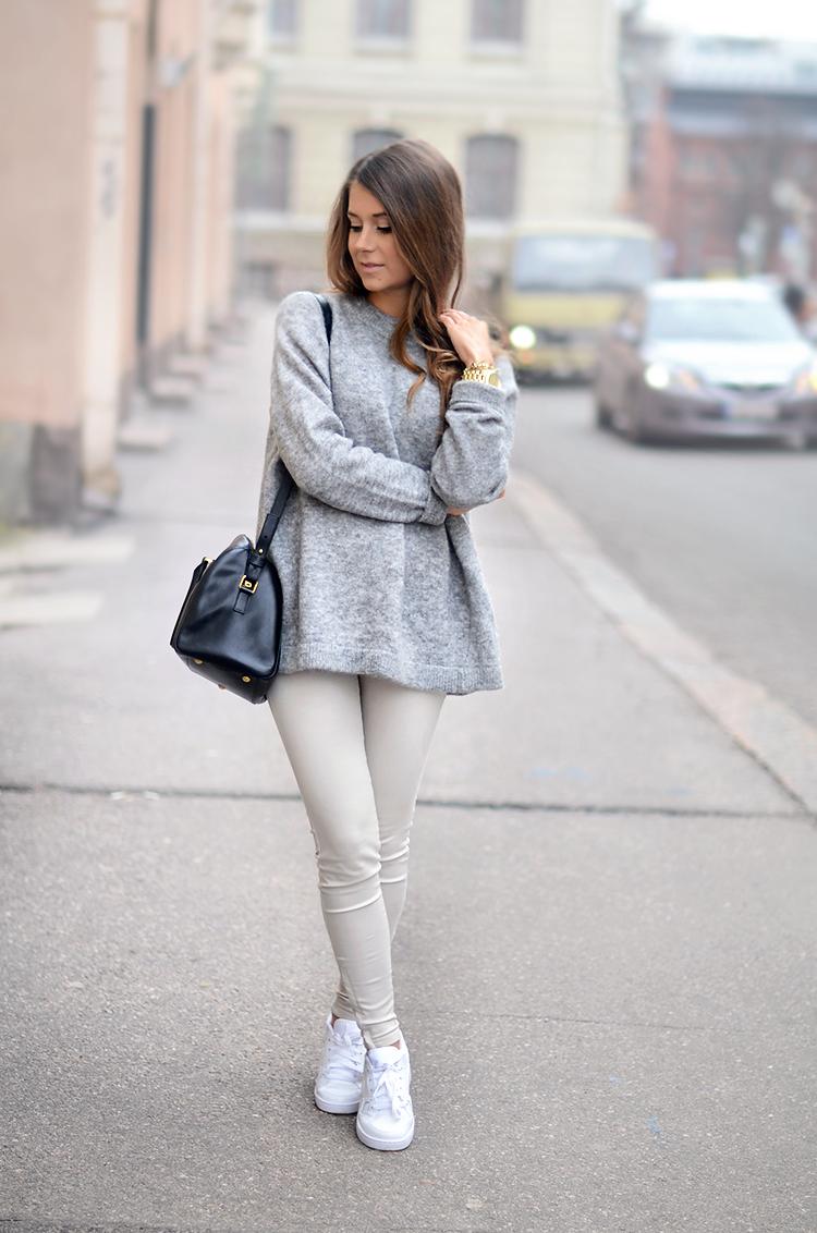 acnesweater1