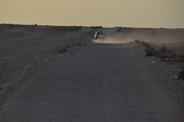 A toda pastilla por las carreteras del desierto de Douz