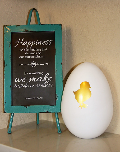 Chick Easter Egg Decor