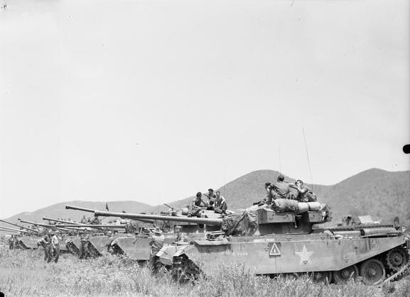 Centurion tanks van de 8e King ' s Royal Irish regiment Huzaren