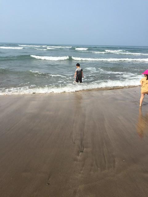 一直被海浪吸過去