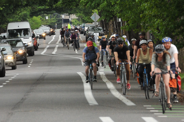 Bike traffic on N Williams Ave-13.jpg