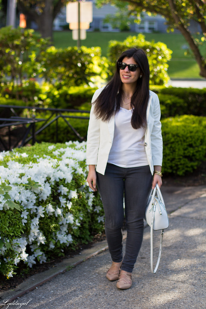 white blazer, grey jeans, lace up flats, white bag.jpg