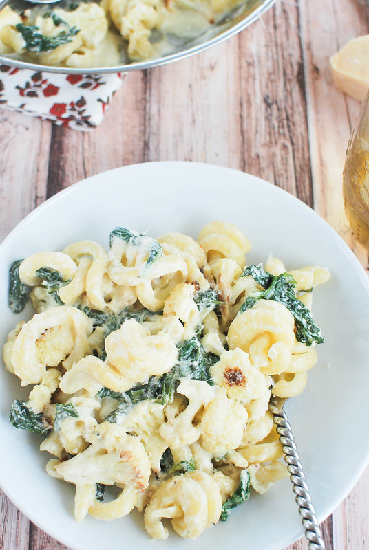 Cheesy Pasta with Roasted Cauliflower - pasta with cauliflower, kale, Parmesan, ricotta, and lemon zest! Light and fresh - perfect for meatless Monday!
