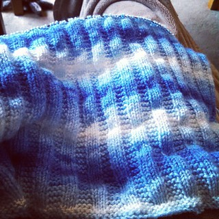 This just might become my go-to baby blanket pattern! Knits up fairly quick with an easy to remember 2-row repeat. #babyknits #knitstagram #instaknit #KnittingTherapy #getyourkniton