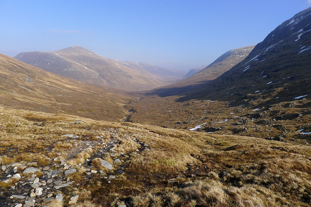 Looking east from the Bealach Bhearnais