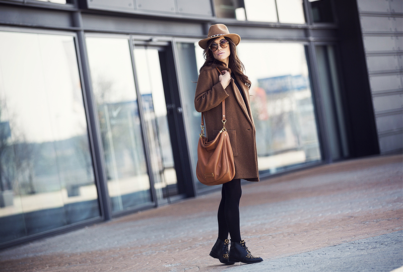 street style barbara crespo black and brown coat leopard booties fashion blogger outfit blog de moda