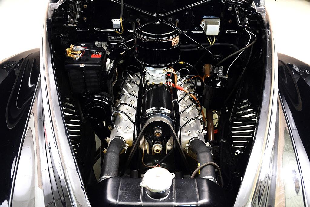 39008_F Lincoln Zephyr V12 3SPD Coupe_Black