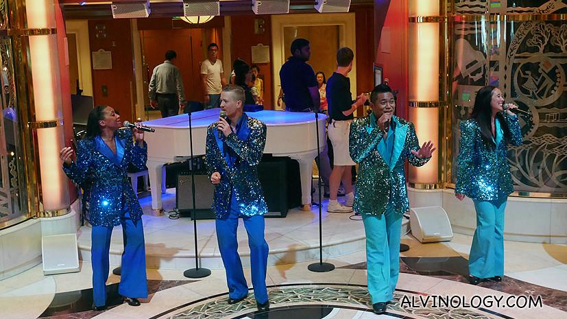 Roving singers