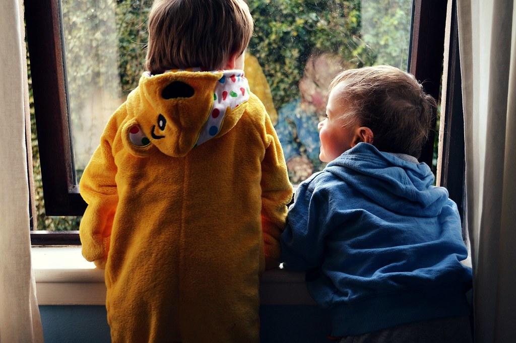 Diddle Diddle Dimpling | Worst Friends & Best Enemies | On sibling rivalry & constant bickering | http://www.amylorimer.com
