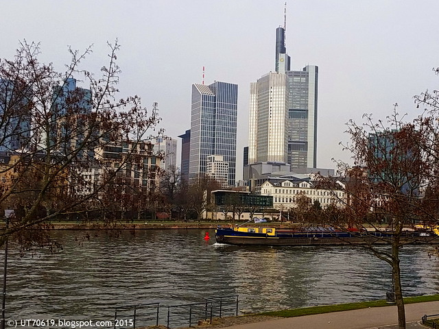 Frankfurt Skyline & Main