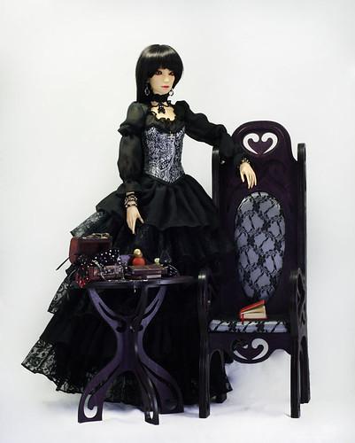 Takumi  chair model 05 and tea table m02 & Elyse