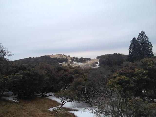 入道ヶ岳 西峰より山頂