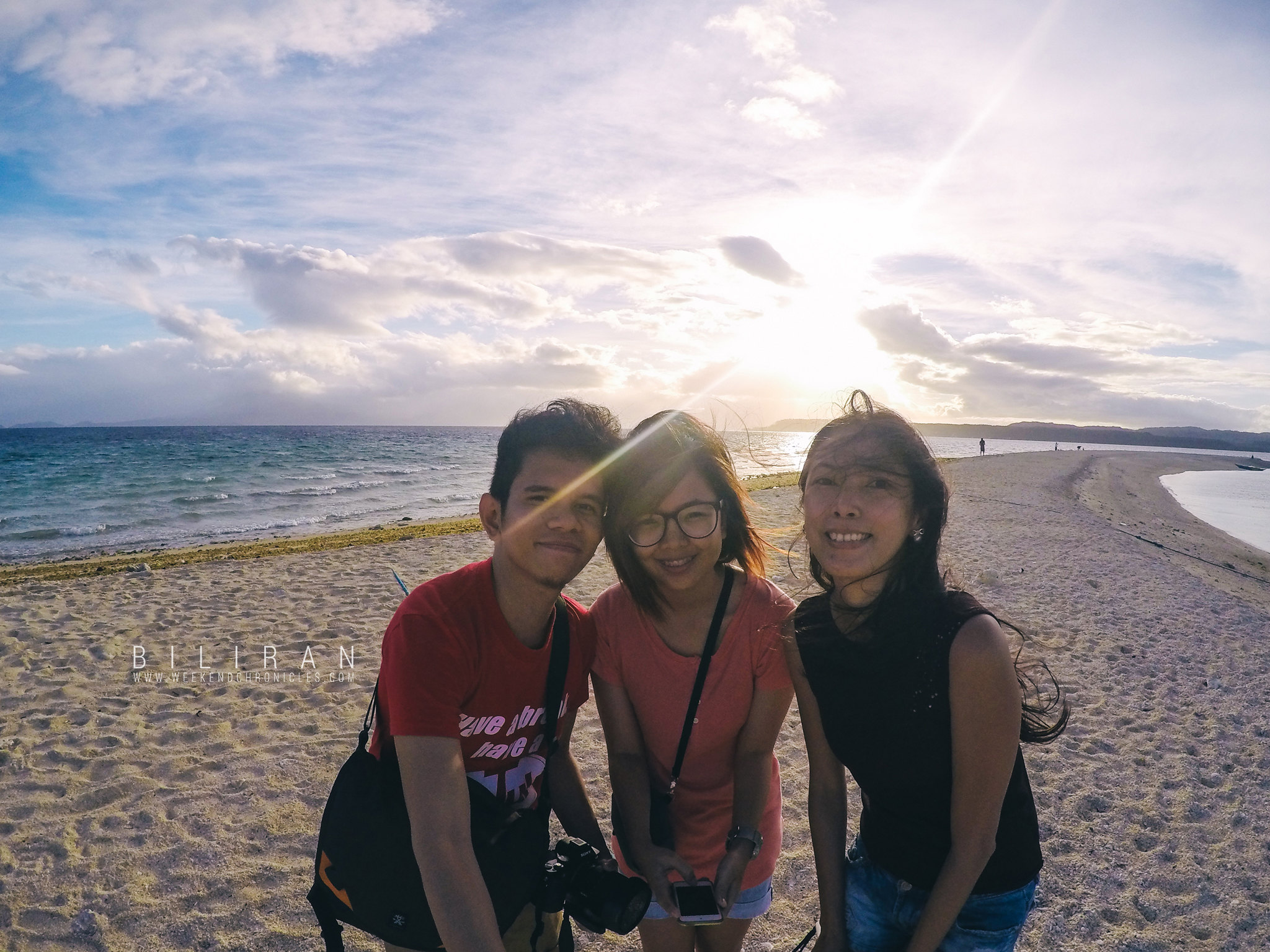 We got to meet Joy, a solo female traveler who's also from Manila but is originally from Visayas. She's a life-saver because she speaks Visayan! She's already been to A LOT of places. She's even been to some parts of the Philippines we wouldn't dare go to.