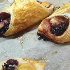 meal(0.0), produce(0.0), fruit(0.0), beef wellington(0.0), cherry pie(0.0), sausage roll(0.0), breakfast(1.0), baking(1.0), baked goods(1.0), pain au chocolat(1.0), food(1.0), dish(1.0), dessert(1.0), cuisine(1.0), danish pastry(1.0),