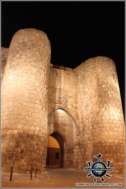 Puerta de Herreros, Almazán, Soria. España.