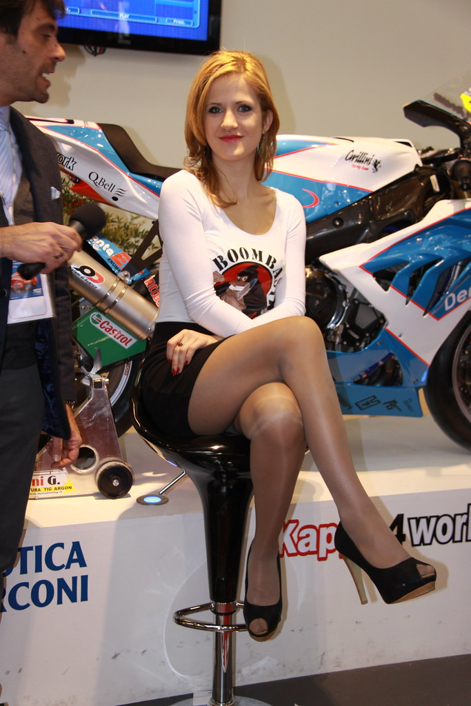 image Hostess fiera milano pantyhose fetish