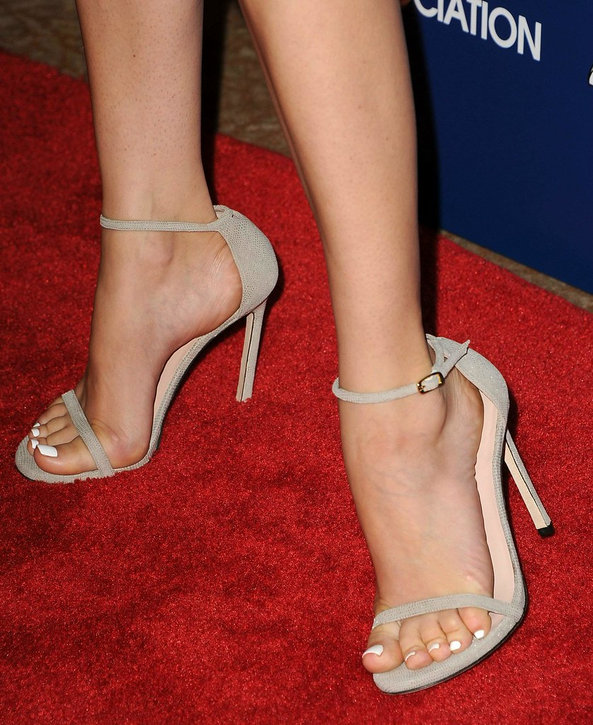 Feet & Shoes (994)
