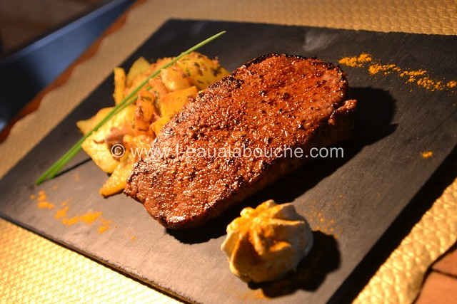 Filet de Boeuf Tandoori & Patates Epicées © Ana Luthi