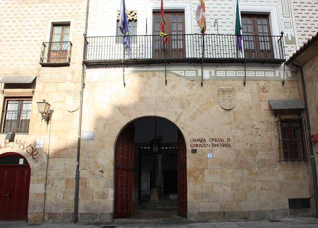 Entrada de la Cámara de Comercio, Industria y Servicios de Salamanca