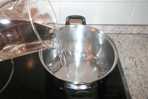 15 - Wasser für Reis aufsetzen / Bring water for rice to a boil